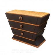 Comoda cu trei sertare, din lemn